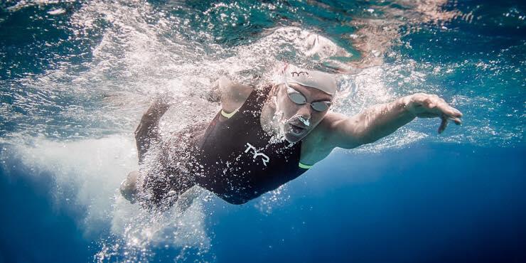Výkonnostné plávanie: Prečo a kedy začať s tréningom