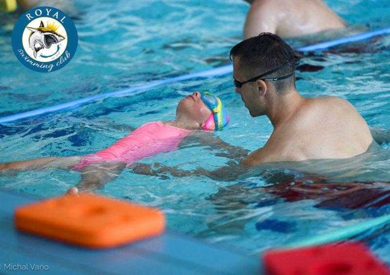 Plávanie pre bábätká: Prihláste dieťa na kurz od útleho veku