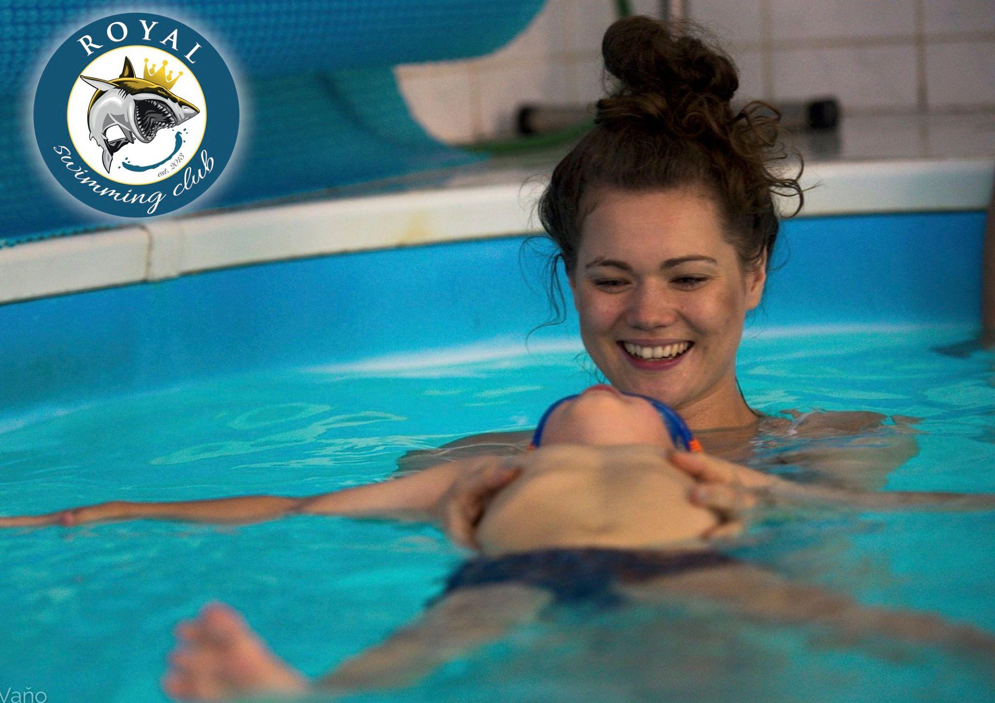 Plávanie pre bábätká: Čo od neho očakávať a prečo s ním začať