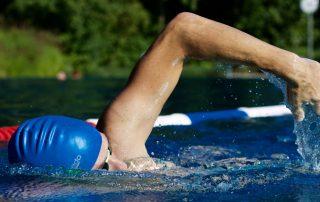 História a rekordy plaveckých štýlov - prsia a kraul